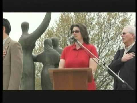 Laurie Deckert sings National Anthem at Tea Party ...