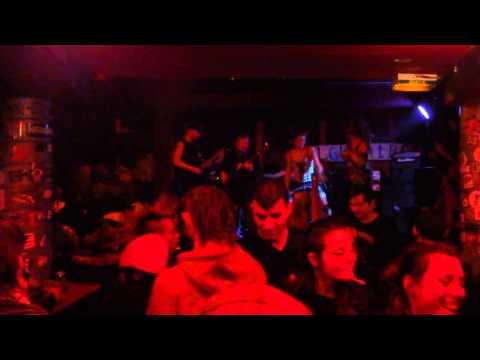 GLOBE TROTTOIR (Punk Rock Toulouse//Live 30 Mars 2013)