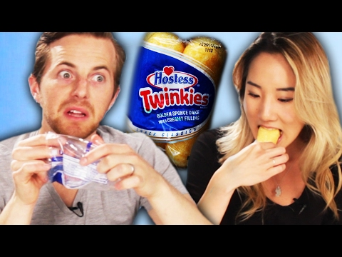 People Try Twinkies For The First Time