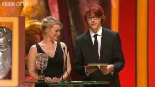 Charlie McDonnell presents BAFTA to The Inbetweeners - British Academy Television Awards 2010 - BBC