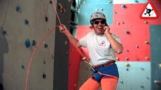 The World's Worst Beląyer - Bad belaying techniques