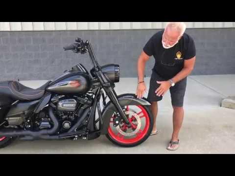 ⭐️ Harley Davidson Road King