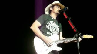 Brad Paisley - Takes Irish Flag During This Is Country Music, The 02 Dublin 13-nov-2012