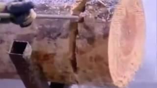 Amazing , Balok kayu bisa dipotong menggunakan air yang bertekanan tinggi