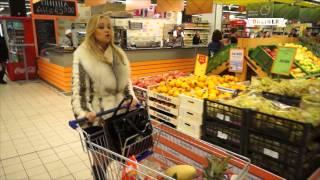 Download Флешмоб в магазине Минска: покупатели и охранники запели оперу. Mp3 and Videos