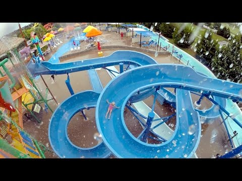 Splashing Fun at Hawaiian Falls Playing in the Wave Pool and going down the Slides!