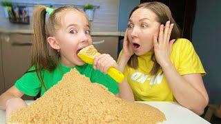 Забавная история о том как Маша и мама шутят для детей