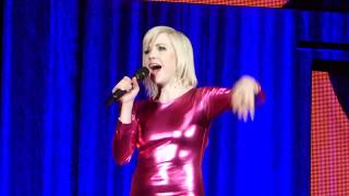 10 – Carly Rae Jepsen – I'll Be Your Girl (Live Clip) @ Bill Graham Civic Auditorium