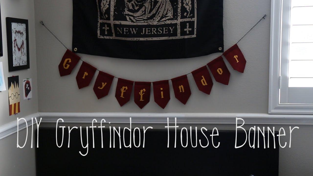 DIY Gryffindor House Banner (Harry Potter) | Courtney Tomesch
