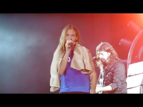 Foo Fighters - Under Pressure @ Milton Keynes National Bowl, 05.09.2015 - HD