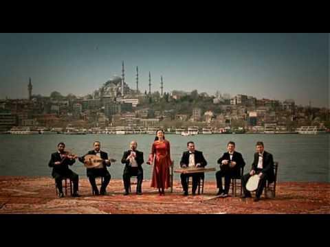 Selim Sesler & İdil Üner - Penceresi Yola Karşı