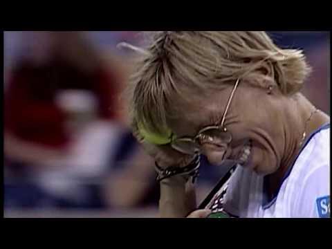 US Open Throwback: Martina Navratilova Forgets Her Glasses