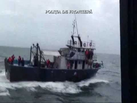 Romanian coast guard sank a vessel of Turkish poachers in Bl