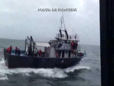 Romanian coast guard sank a vessel of Turkish poachers in Black Sea