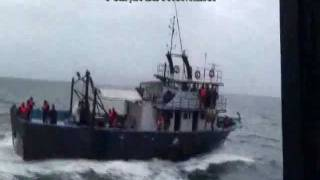 Romanian coast guard sank a vessel of Turkish poachers in Black Sea