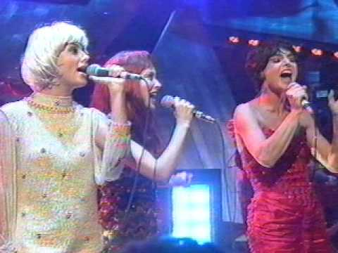 Dave Stewart, Sinéad O'Connor, Kylie Minogue and Natalie Imbruglia - Sweet Dreams