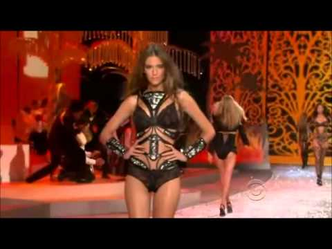 Victoria's Secret Fashion Show 2008 - Clara Alonso