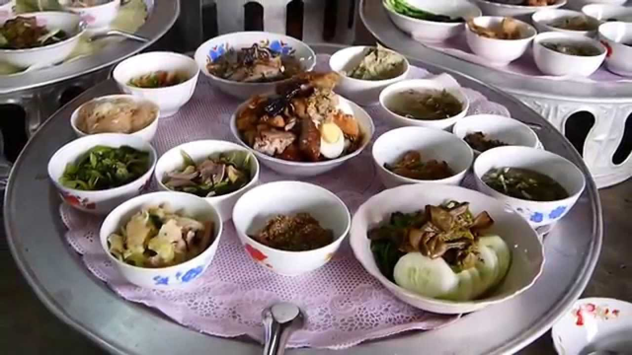 Food For The Buddhist Monks In Laos Youtube