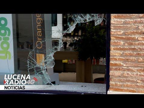 LUCENA: Nuevo robo en el establecimiento de Phonehouse situado junto al mercado de abastos