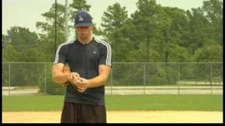 Coaching Baseball : How to Throw a Cutter