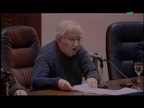 Noam Chomsky advierte sobre las armas nucleares y la catástrofe medioambiental
