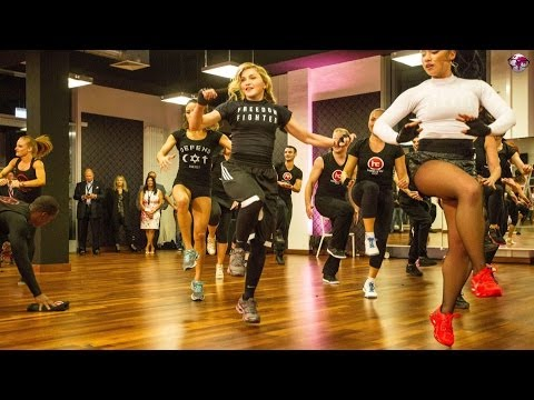 Madonna & Hard Candy Fitness / videoscout-it