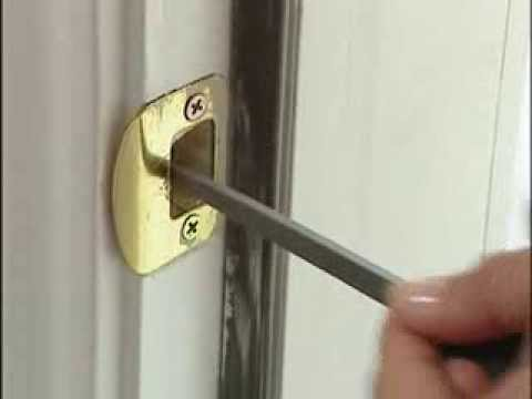 Bon Aligning Deadbolt With Strike Plate (#5510)   YouTube