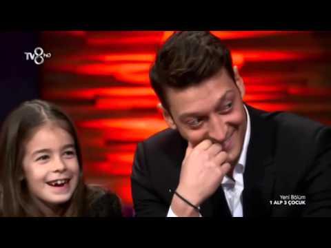 Mesut Özil Türkçe Konuşuyor - 1 Alp 3 Çocuk