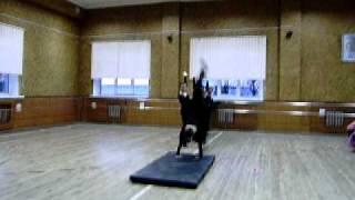 """Урок акробатики.Ансамбль """"Этика""""г.Ровно"""