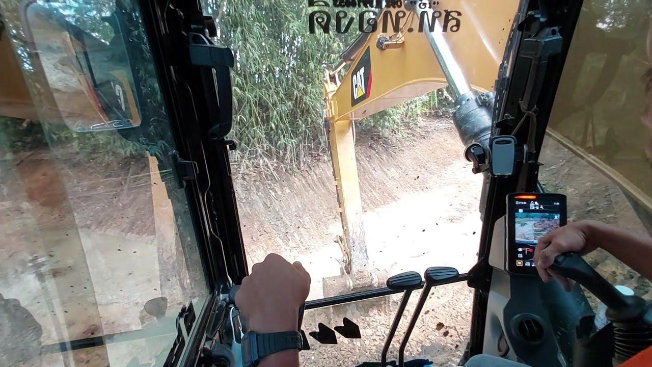 หน้างานใหม่ขุดคลองเอาดินมาถมที่แช่น้ำอยู่ภายในเก๋ง CAT 320 Next Gen.Thailand crawler excavators