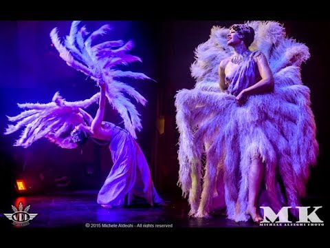 "Bonnie Fox performs Burlesque Feather Fan Dance to ""New Orle"