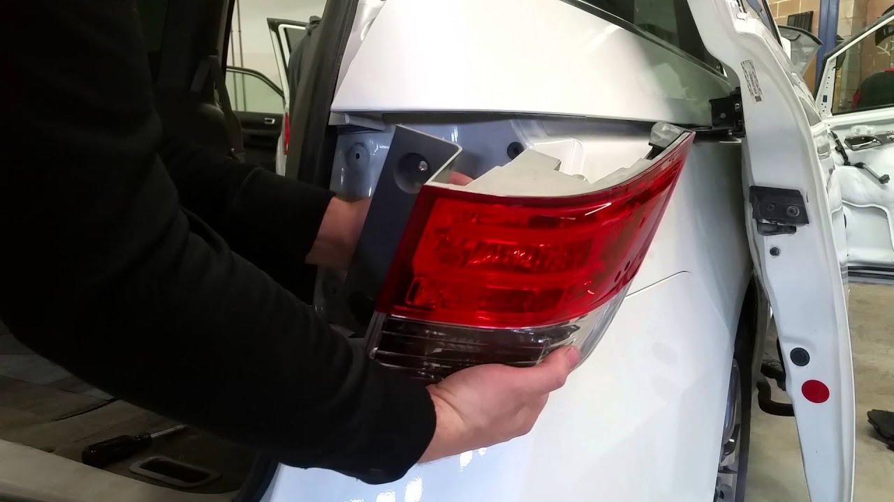 How To Replace Rear Taillight Brake Light Bulb Turn Signal Bulb On A 2011 2016 Honda Odyssey