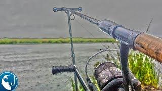Ловля леща после нереста летом на фидер. Рыбалка под сильным дождем.