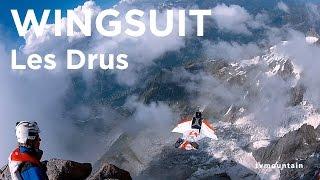 Base jump wingsuit sommet des Drus Chamonix Mont-Blanc Géraldine Fasnacht Julien Meyer - 9110