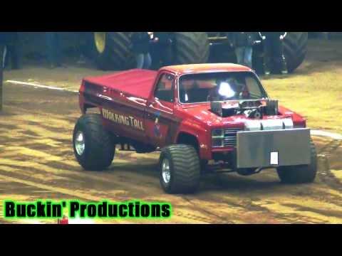 SUPER MODIFIED 4WD TRUCKS ALLTECH ARENA LEXINGTON KY FRIDAY NIGHT 1-3-14