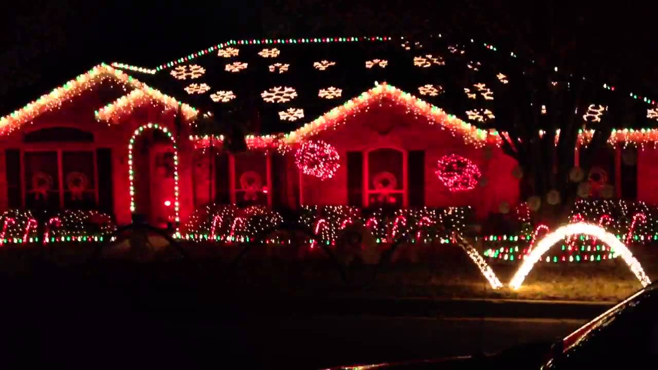 Christmas Lights Synced With Trans Siberian Orchestra - YouTube