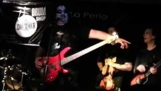 Alejandro Medina y La Medinight Band en La Perla