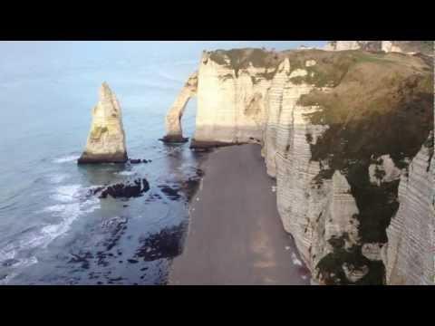 Les falaises d'Etretat en Normandie HD 1080p