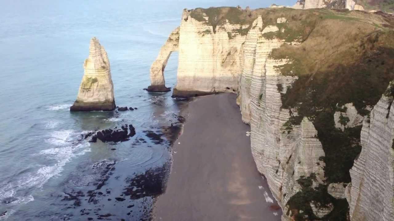 Les Falaises D Etretat En Normandie Hd 1080p Youtube