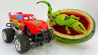 🚚 Take the car from the watermelon 🚚 A743T Toys for kids 🚚