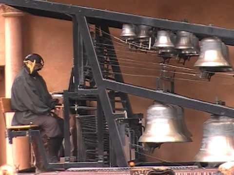 2008 Texas Ren Faire amazing Bell Instrument
