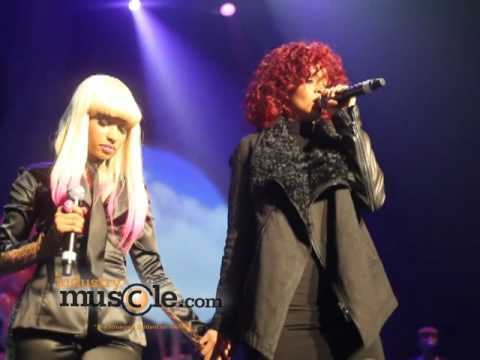 Rihanna Grabs Nicki Minaj's Booty on Stage!!