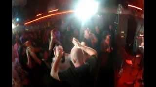 Ля-Миноръ - Алёшка Жарил на Баяне (live)