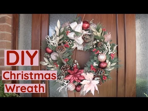 DIY Christmas Wreath/ How To Decorate A Christmas Wreath