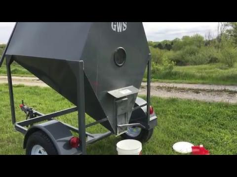 Portable Grain Bin (Chicken Feed)
