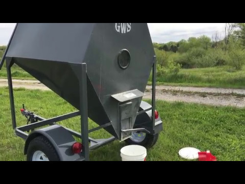 Portable Grain Bin (Chicken Feed)