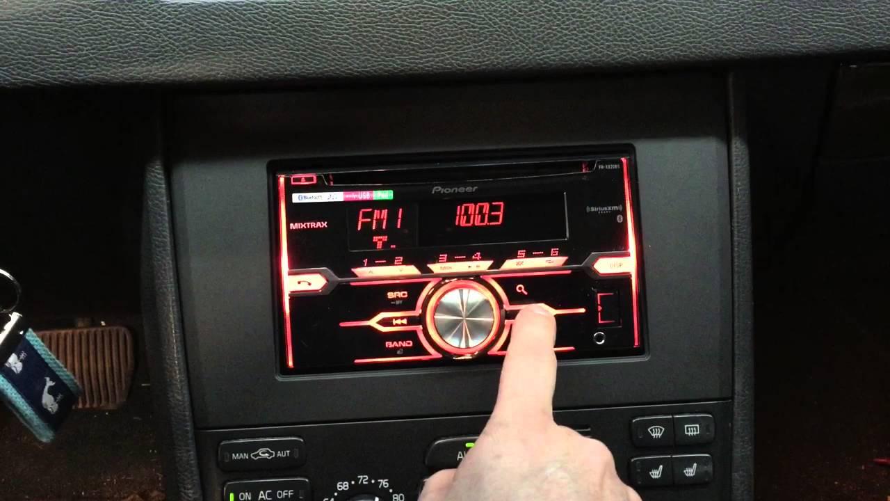 Volvo XC 90 With aftermarket Radio