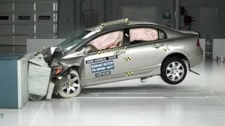 2006 Honda Civic 4-door moderate overlap IIHS crash test