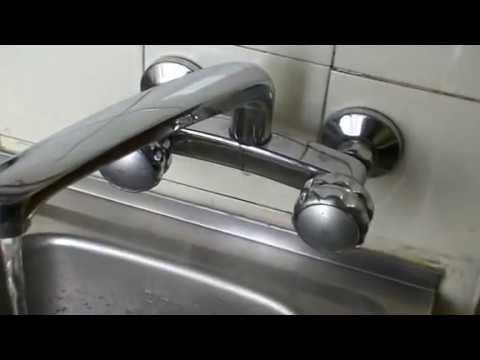 Arreglar grifo que pierde agua por la base del ca o for Como arreglar la llave de la ducha que gotea
