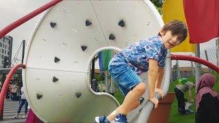 Belkide Hiç Böyle Değişik Çocuk Parkı Görmediniz🥤🍡-Funny Kids Videos -Funny video-Çocuk Videoları